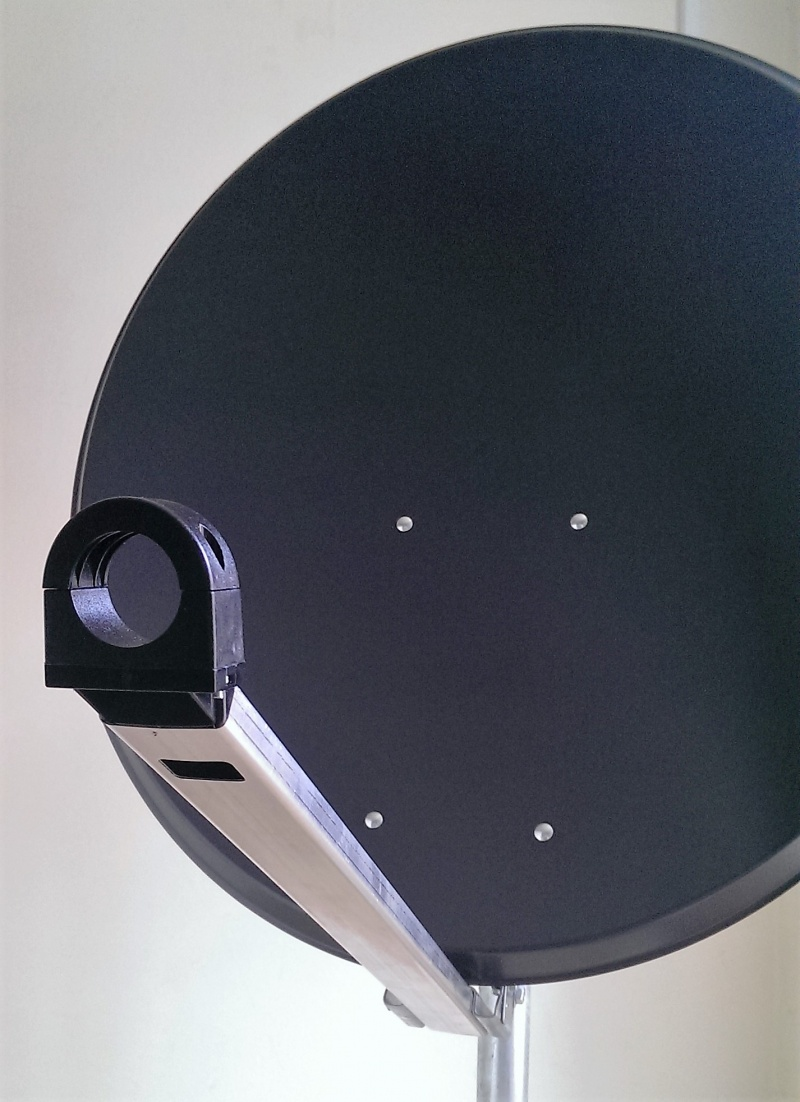 85cm Mix Digital Premium TRX Satellite Dish & Pole Mount Fittings 85cm